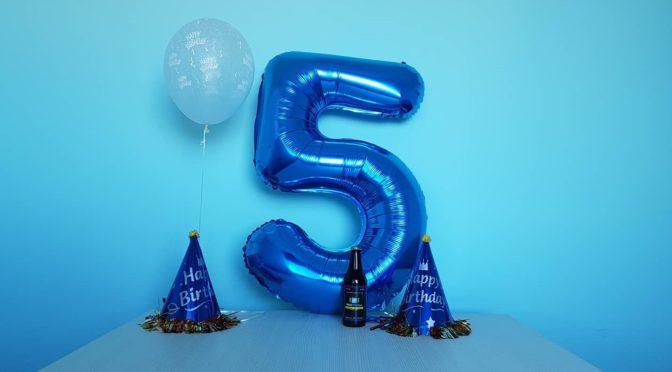 Zdravo svete, slavimo 5. rođendan!